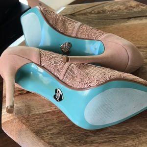Betsy Johnson Size 6 Heels